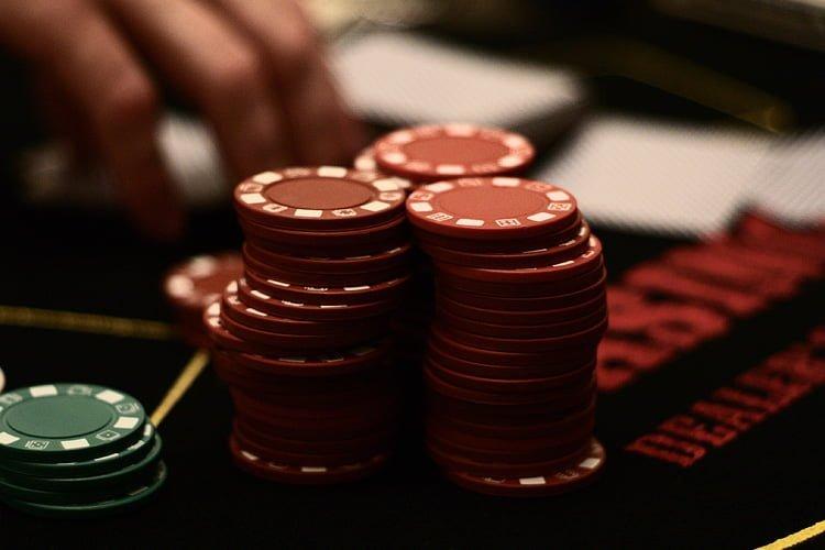 Live Poker Stud Karaibe Mbretëria e Bashkuar