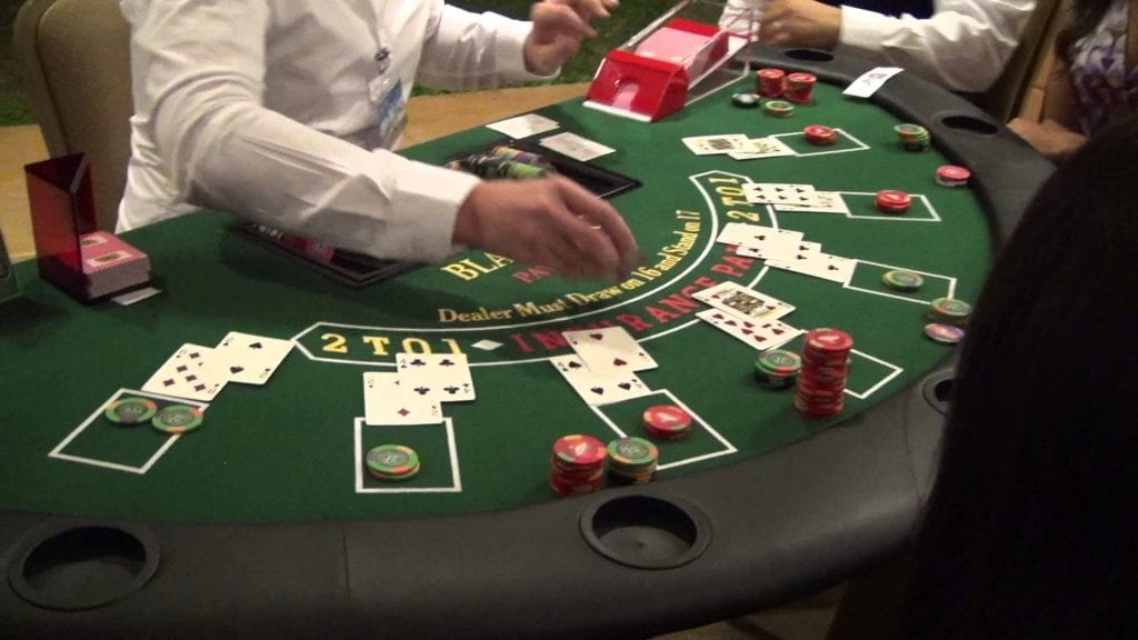 Как играют в блэкджек в казино казино хранителей