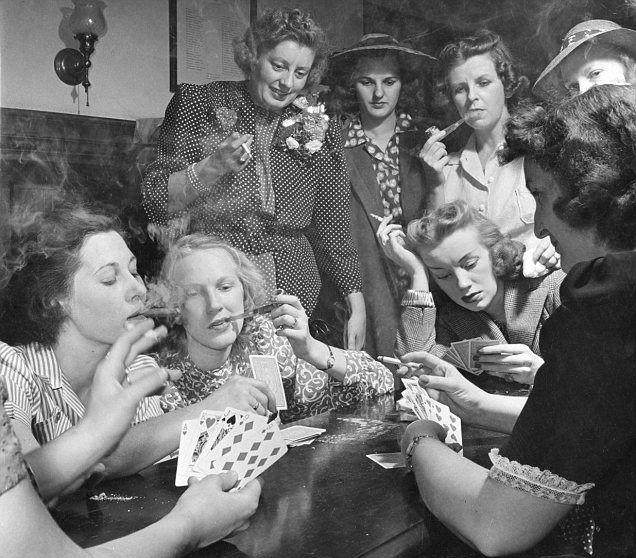 vintage photo of women playing poker